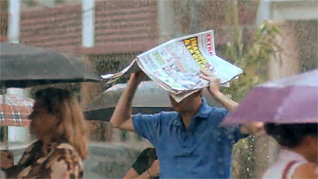 Extra prints laminated cover pages during the rainy season in Equador