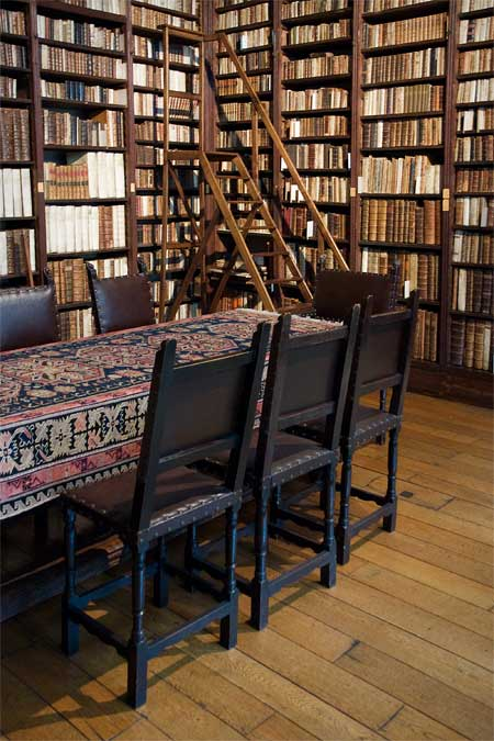 The small library in the Plantin-Moretus museum