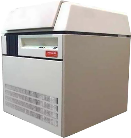 The Lino 3000 can output complete pages on rolls of film and RC paper