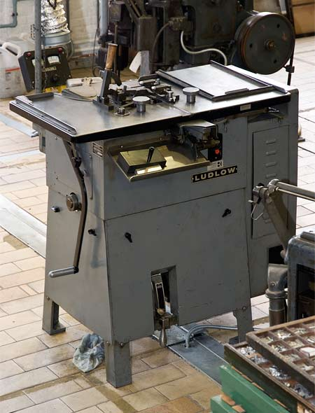 A Ludlow machine for setting headlines