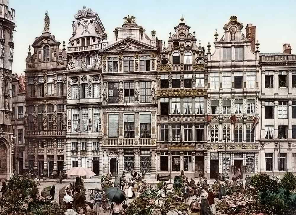 historic image of the Brussels Grand Place