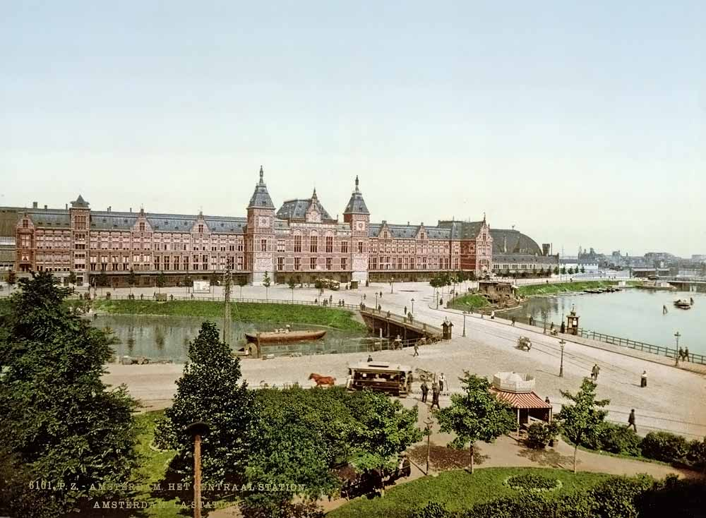 the railroad station of Amsterdam