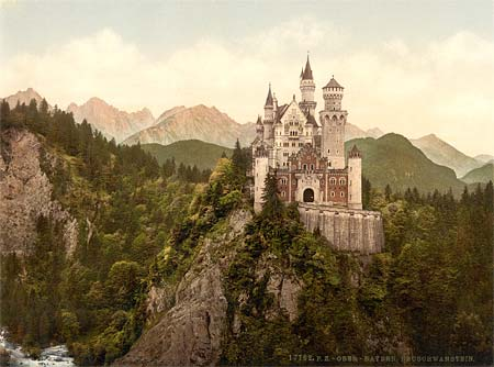 A postscard of the castle of Neuschwanstein, printed using the Aac process