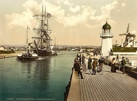 Historical photograph of the pier of Littlehampton, England